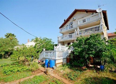 Apartment Branislava - Rogoznica (6+2) 26201-A1