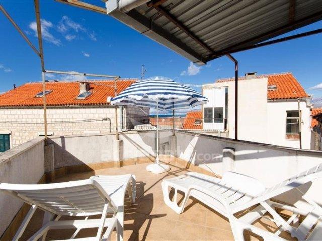Holiday home Artist house - Supetar - island Brač (2+1) 77611-K1