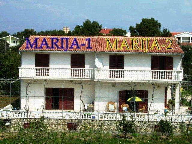 MARIJA-1,2 dvojna kuća za 2 X 8-9 osoba (ukupno 16-18 osoba). Vrsi-Nin