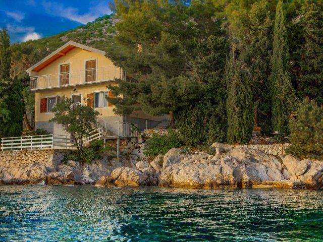 Kuća na moru s privatnom plažom