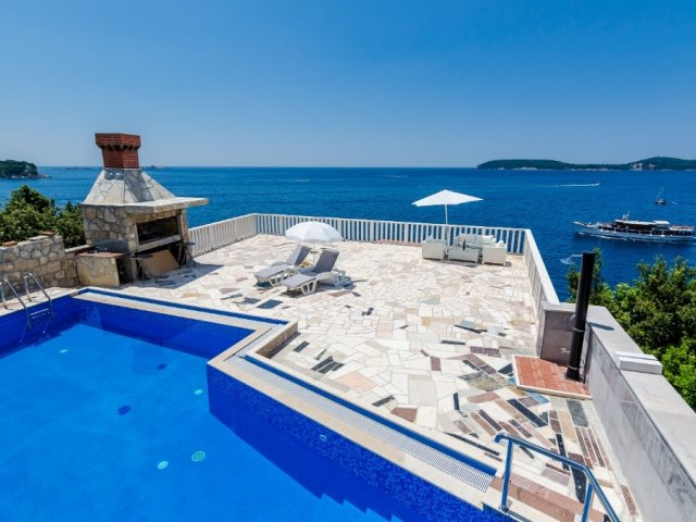 Sun & Sea Apartment
