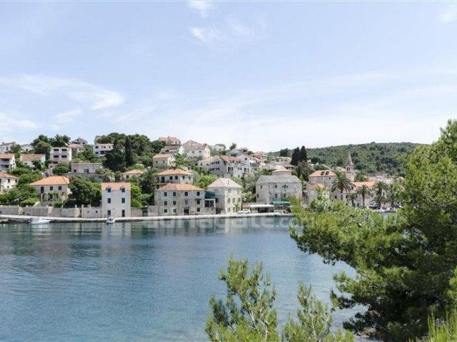 Apartrmani Marinko - Splitska - otok Brač A1 (4+1) 42241-A1
